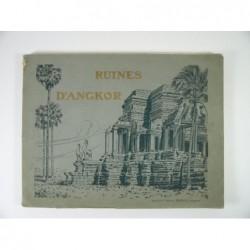 NADAL (photographies de) : Les ruines d'Angkor.